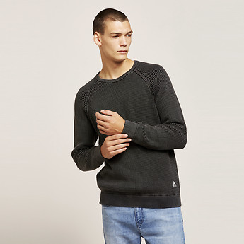 Image of Lee Jeans Australia PIGMENT BLACK CLASSIC SWEATER WASHED BLACK