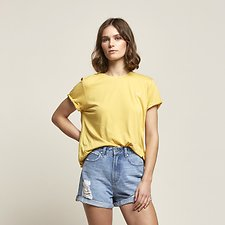 Image of Lee Jeans Australia Yellow ROLLED NO BRAINER LOGO TEE YELLOW